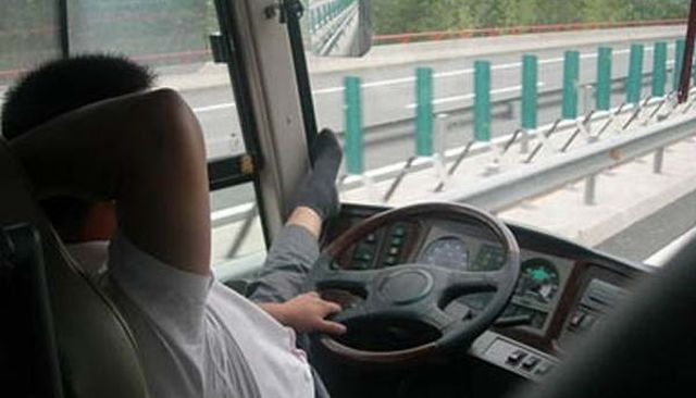 chinese_bus_driver_07